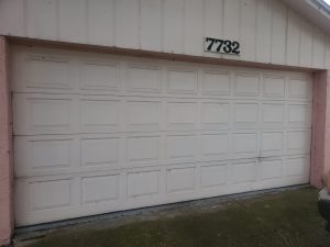 tampa-33615-emergency-garage-door-service-garage-door-off-track