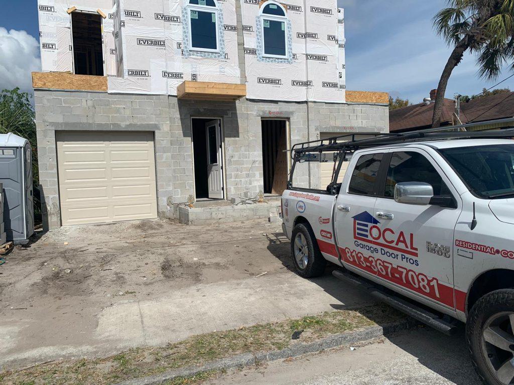new-construction-garage-door-tampa-fl-33606